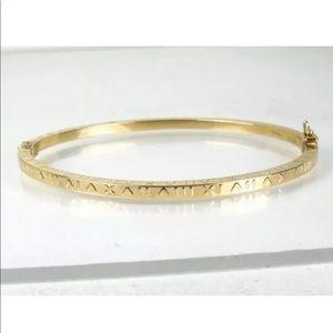 💫18k Yellow Gold Roman Numeral Bangle bracelet💫